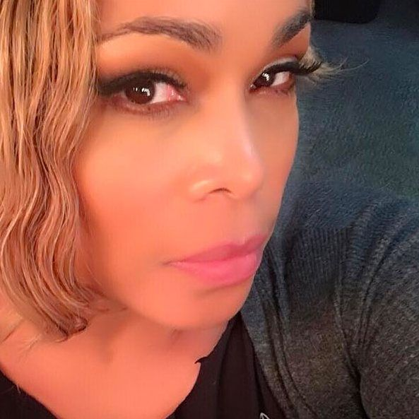 #TLC member Tionne T-Boz Watkins (@therealtboz) is demanding justice after police officers shot and killed her cousin #EddieRussellJr. 25. He died outside of his home in Peoria Illinois last Wednesday after being riddled with 18 bullets by officers. See what she had to say on singersroom.com! #linkinbio #tboz #pray #justice #takeaknee #rip #illinois #family #police #injustice #hope #strength #mentalillness #violence