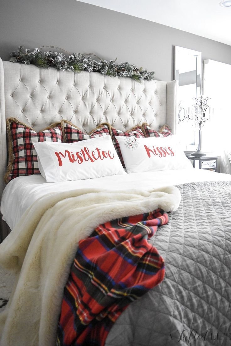 My Christmas bedroom A Tufted Life