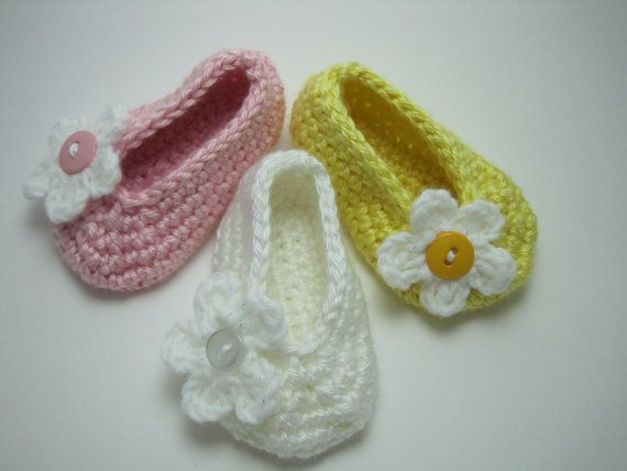 Easter Crochet baby shoes SPRING SALE Flats by CreationsIvy