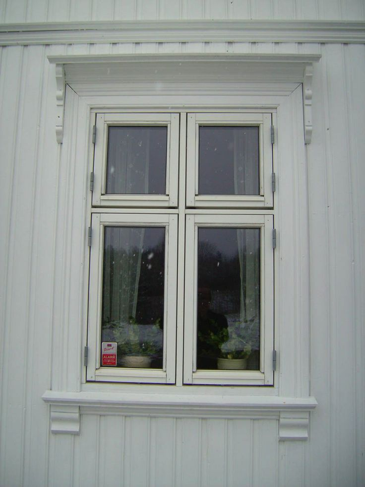 Window frame. Sveitserstil og sveitserhus - stiltre.no