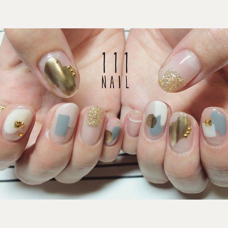 ●⚫️▪️◼️◽️ #nail#art#nailart#ネイル#ネイルアート#クリアネイル#ivory#gold#gray#metallic#cool#mode#ショートネイル#nailsalon#ネイルサロン#表参道