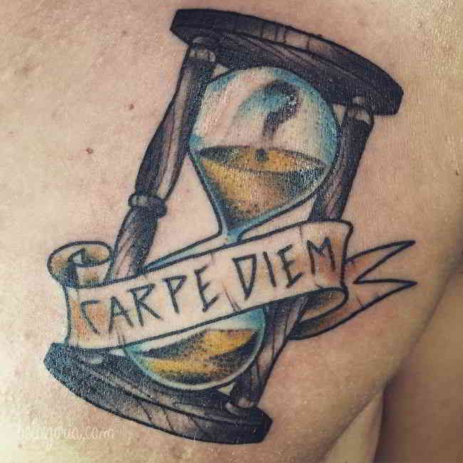 Los tatuajes de Reloj de Arena guardan secretos que merece la pena conocer