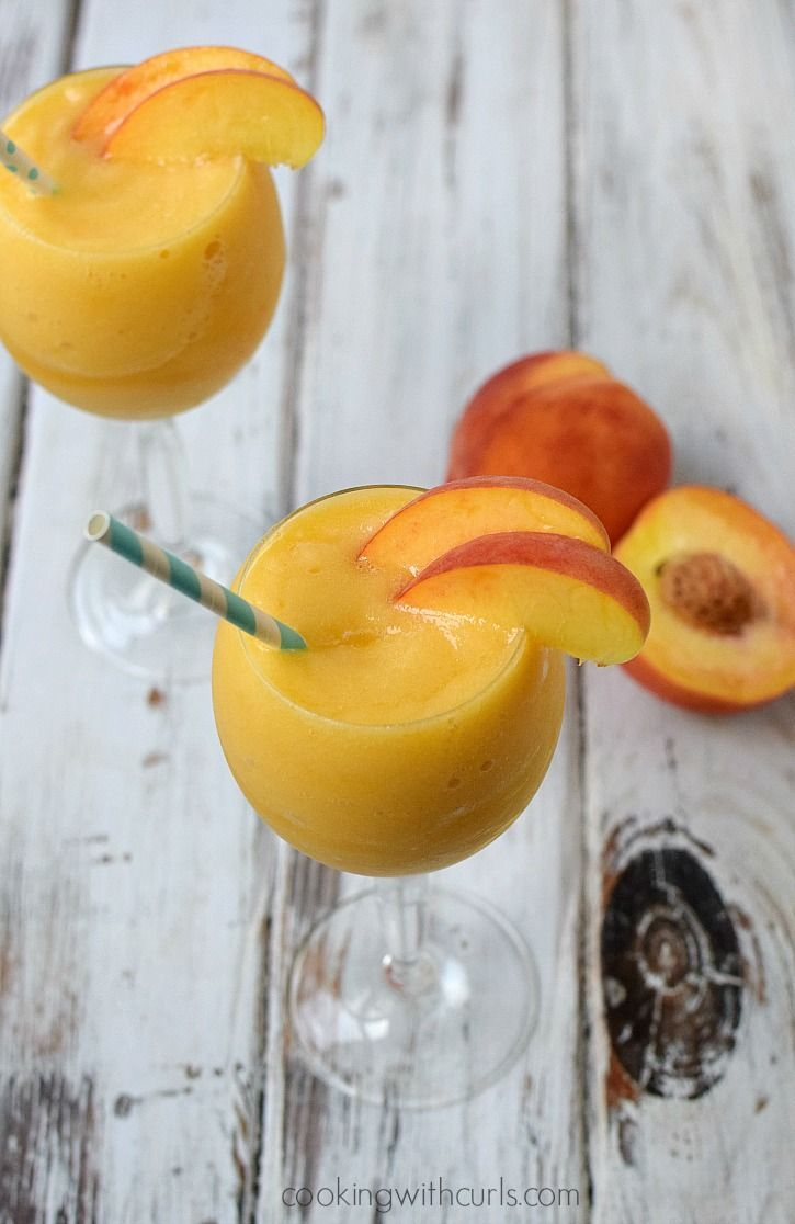 Celebrate sisterhood and friendship with a sweet & sassy Peach Moscato Smoothie | cookingwithcurls.com #MiddleSister #DropsofWisdom @middlesiswines