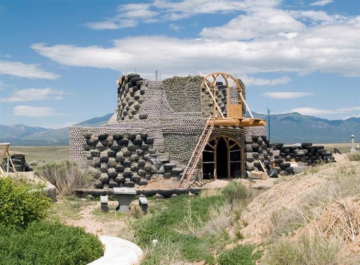 Farklı kültürleri keşfedeceğiniz, ülkedeki en prestijli sanat galerilerini ziyaret edebileceğiniz ve doğanın en güzel manzaralarını gözlemleyebileceğiniz Taos içerisinde; tarihi ve kültürel zenginliklerin haricinde bölgenin en modern restoranları ve en lüks otelleri bulunmaktadır. #Maximiles #Amerika #şehirrehberi #KuzeyAmerika #Taos #gezilecekyerler #görülecekyerler #seyahat #gezi #travel #America #yolculuk #LatinAmerika #turistikyerler #tarihiyerler #otel