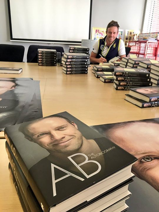 AB de Villiers clicked while signing autographs in his autobiography book - http://ift.tt/1ZZ3e4d