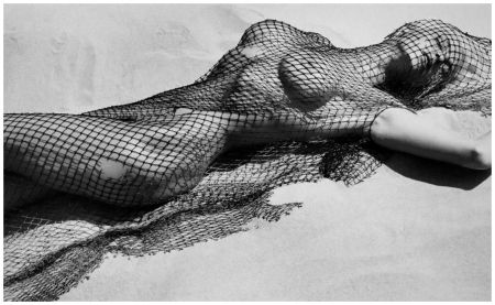Photo Herb Ritts Brigitte Nielsen with Netting, Malibu, 1987