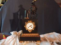 Gande pendule borne bronze et marbre fonctionne sonne mvt a fil a restaurer