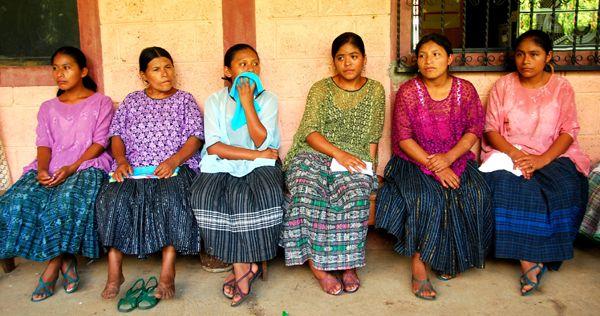 Seis mujeres indígenas de Chisec- ALta Verapaz (Guatemala). Foto: Laura Gutiérrez (Manos Unidas)