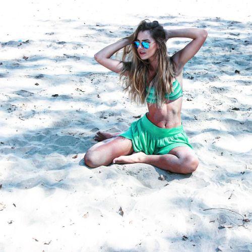 Last Minute Couture adventures | traveler series | mermaid in the sand | calzedonia - rayban - bershka | beachwear photoshoot