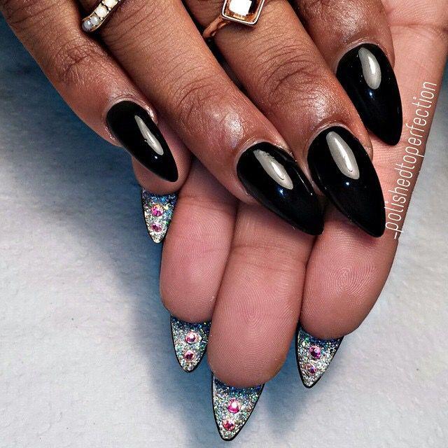 ❤️ | kimskie - under nail detail. Very cool~ except stuff always get stuck under my nails.