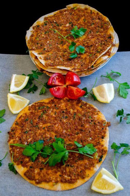 FOTO BLOG TÜRKİYE — Lahmacun, Turkish food