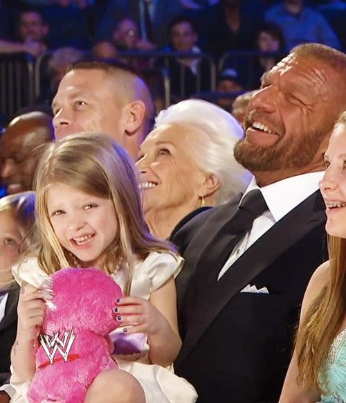 31 best images about THE MCMAHON FAMILY !!!! on Pinterest ... Triple H Murphy Claire Levesque