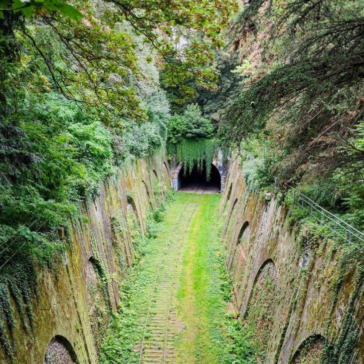 Vergeten spoorwegtunnel in Parijs, Frankrijk, 25 Schitterende foto's van verlaten - (Page 4)