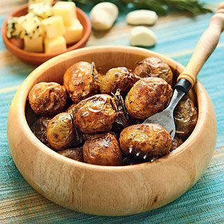 Запеченный в духовке картофель с чесноком и розмарином, второе блюдо. Пошаговый рецепт с фото на Gastronom.ru