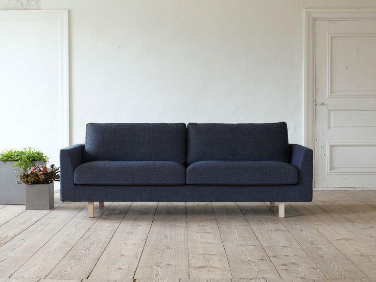 Svenssons i Lammhult - Möbler - Soffor / Stay soffa / mörkblå / ask natur ben