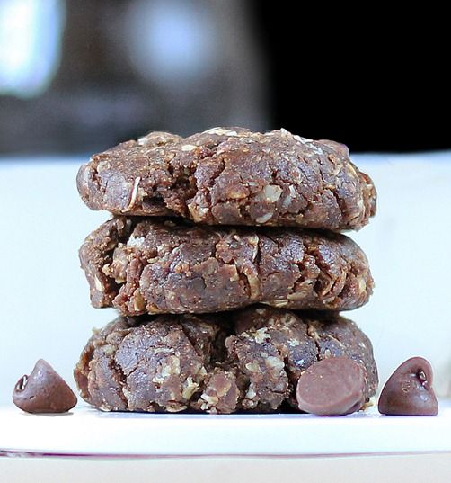 No sugar, no butter, no baking required! 5 Minute Chocolate Oatmeal Cookies.: Oatmeal Cookies, Desserts Recipe, Chocolate Chips, Chocolates Chips Cookies, Mocha Chocolates, Baking Mocha, Chocolates Cookies, No Baking Cookies, Chocolate Chip Cookies