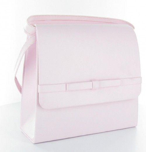 """Elegancka i stylowa mała torebka - """"kopertówka"""". Produkt polski, wykonana z najwyższej jakości skóry ekologicznej. Usztywniona dzięki czemu zachowuje niezmieniony kształt i formę. Zapinana na magnes umieszczony w dekoracyjnej klapce. Wnętrze torebki wykończone podszewką z dodatkową kieszonką na drobiazgi. Torebkę można trzymać w dłoni lub założyć na ramię dzięki dołączonemu, delikatnemu paskowi. Torebka starannie uszyta i wykończona z dbałością o najdrobniejszy szczegół."""