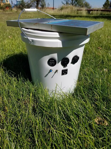 How to build a Solar Power Bucket 110 Volt Battery Bank