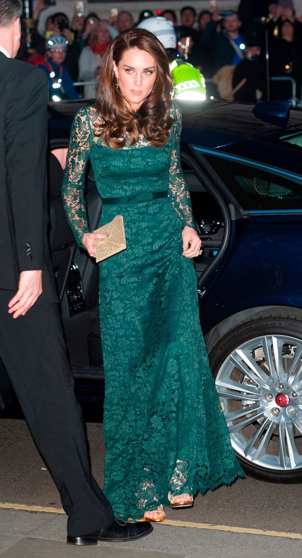 Gorgeous in green! Kate wears stunning lace dress for ...
