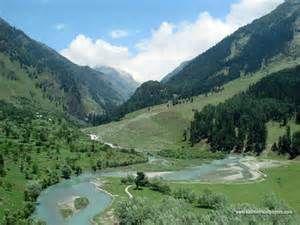 Get the best deals and rates for the most exotic Kashmir Tours Packages only with  Travel guru.Find the cheapest Best kashmir Tour Packages, find us India.