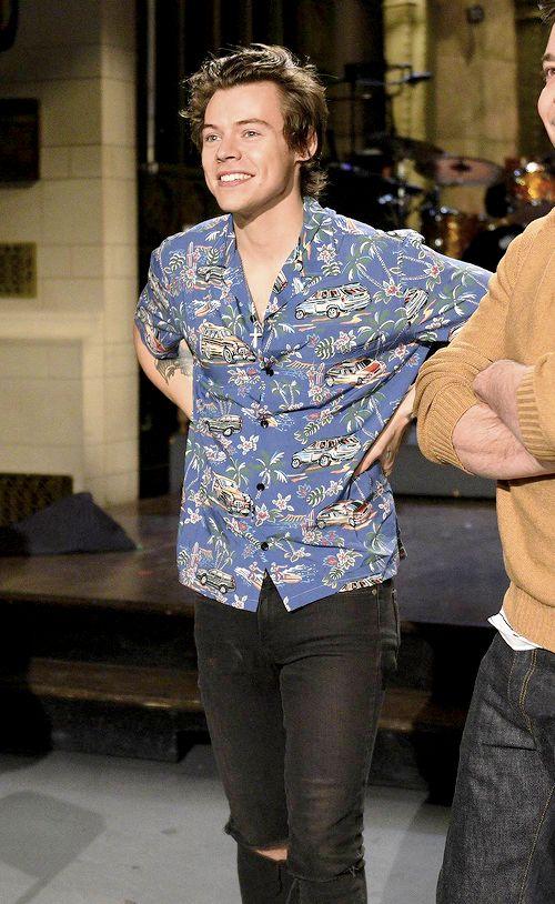 Hot 'n Hard — harrystylesdaily: Harry on SNL