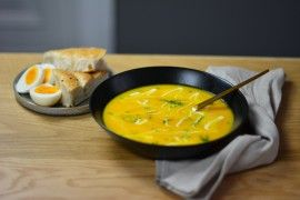 Gulrotsuppe med ingefær & appelsin, focaccia og egg