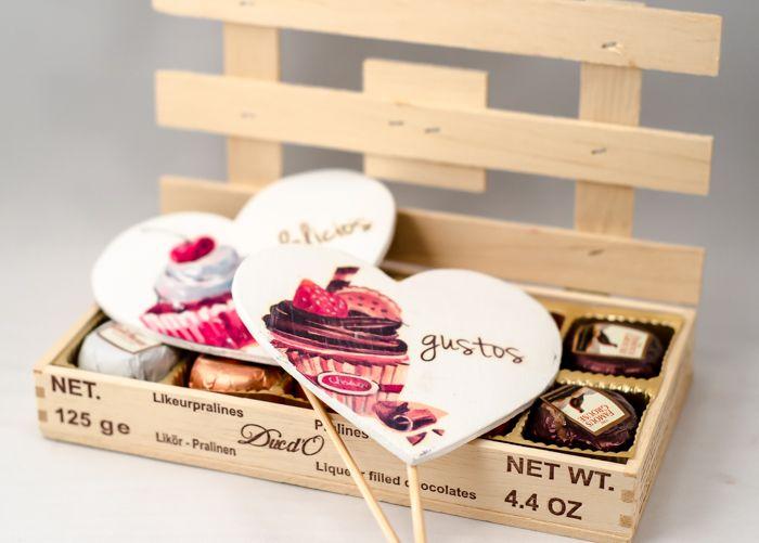 Plăcuțele decorative pentru candy bar completează într-un mod creativ colțul dedicat dulciurilor - http://www.decomag.ro/semne-decorative-candy-bar-gust.html