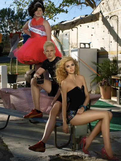 Chris Hernández and Jourdan Miller . America's Next Top Model, Cycle 20: Guys & Girls > Photoshoot 3: Trailer Park Chic with Sugar Pop Pop [FLIXEL - .gif]