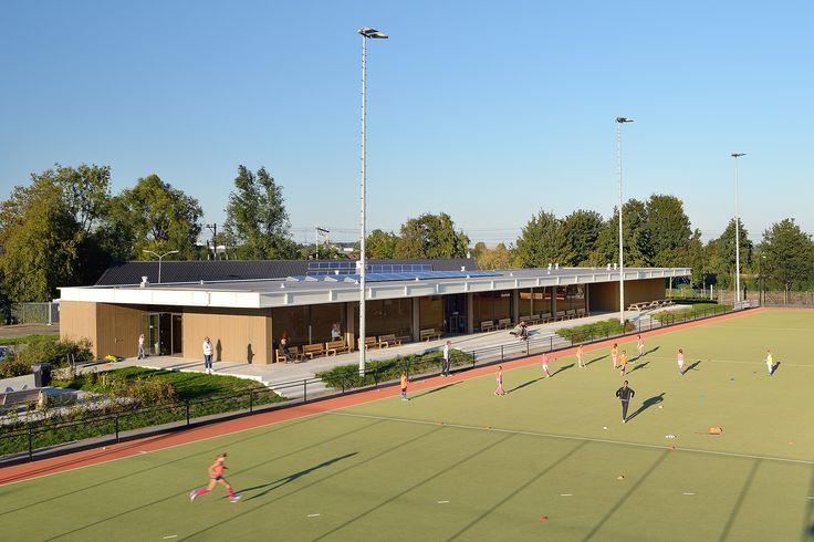 Nieuw Nederland Clubhuis MHC Weesp Soccer academy, Club