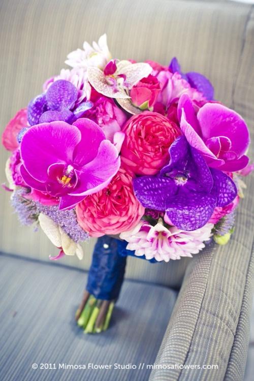 magnifique bouquet de mariée rose violet mauve avec orchidées et roses anciennes { Mary Posy aime ! }