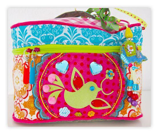 farbenmix Taschenspieler SCHWARZ Schnittmuster Kosmetikkoffer Kosmetiktasche Badezimmertasche