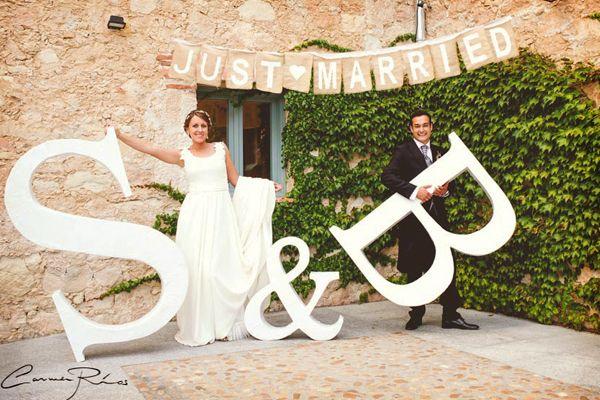 Letras gigantes para las fotos de la boda #bodas #ElBlogdeMaríaJosé #fotosboda…