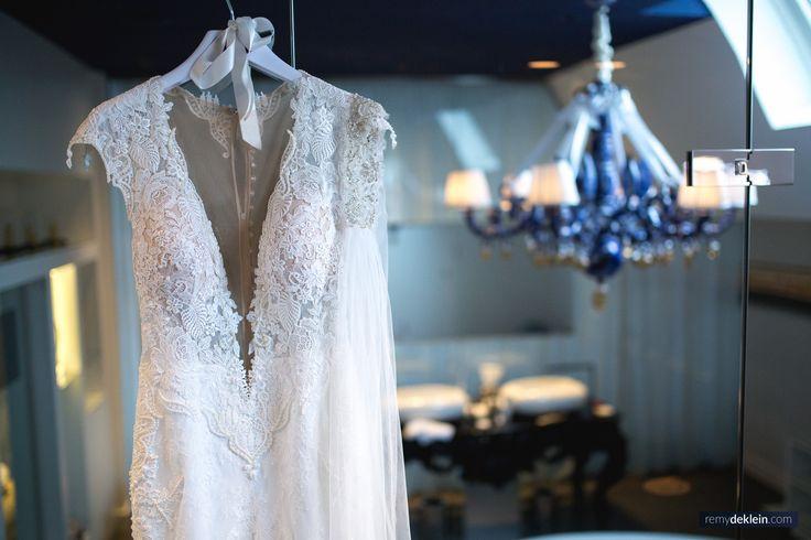 Photo by: Remy de Klein  #weddingphoto #weddingphotography #weddingphotographer #weddingdress #weddingseason #flowers #remydeklein