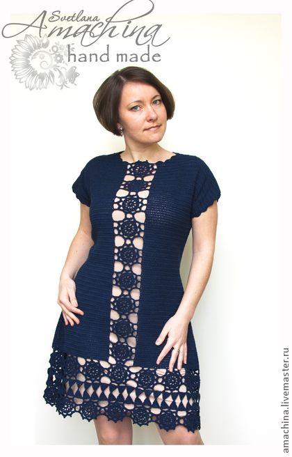 `Элегантная симметрия`. Платье-футляр выполнено крючком из 100% мерсеризованного хлопка. По мотивам ретро-моды