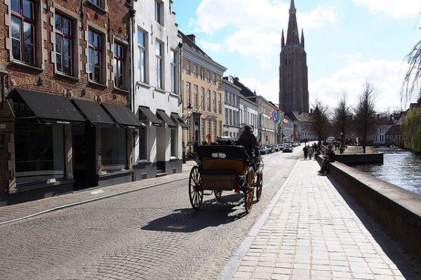 Le premier pipeline à bière du monde en Belgique - http://www.2tout2rien.fr/le-premier-pipeline-a-biere-du-monde-en-belgique/
