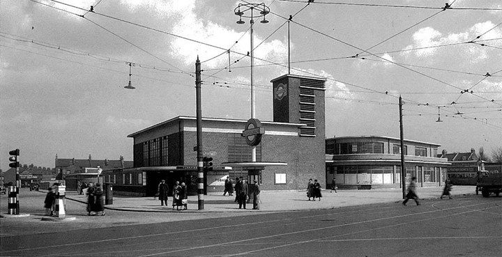 Turnpike Lane Station in the 1930's