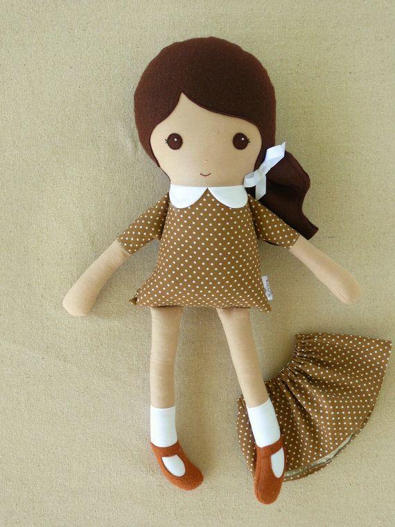 Rag doll w elastic skirt
