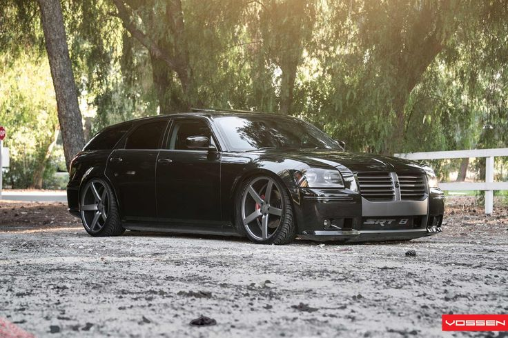 2006 SRT8 Dodge Magnum! Amazing cars.