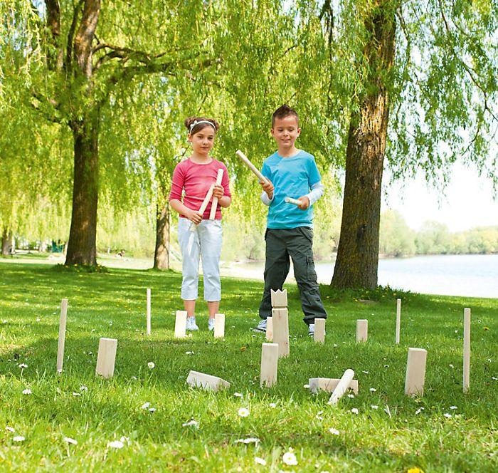 """""""Super Kubb"""", Holzspielzeug. """"Kubb"""" bedeutet """"Stöckchen"""" auf Schwedisch und Spielspaß für die ganze Familie! bei Weltbild bestellen #kinder #spielen #holzspielzeug #spaß  #weltbild"""