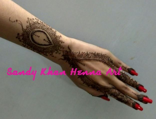 Unqiue arabic mehndi design by sandy khan Artist | Mehndi Designs