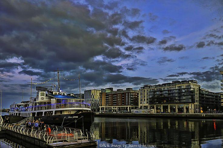 Dublin Sight and Seen's, Boat restaurant