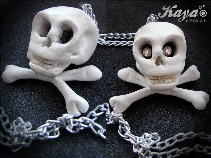 Collana teschio in fimo Skull necklace polymer clay http://www.facebook.com/KayaCreazioni