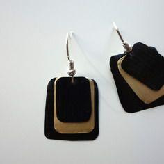 Boucles d'oreilles dorées et noires en capsule de café nespresso