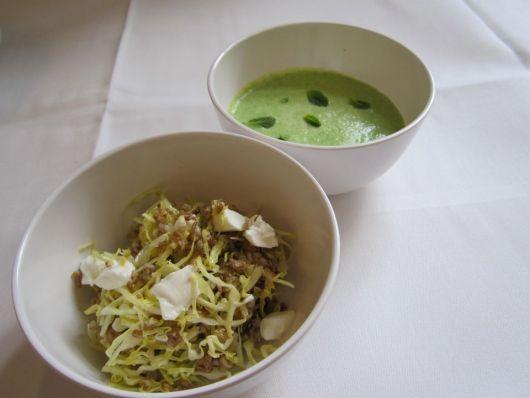 Grønærtesuppe med mynte og spidskålsalat