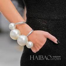 Resultado de imagen para pulsera de perlas exageradas