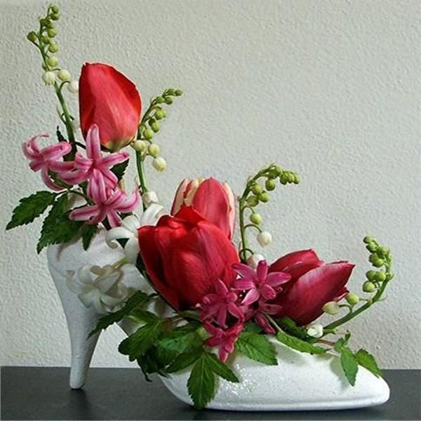 arts and crafts ideas for boots | Craft Ideas Decorating Shoes with Small Plants and Recycling Shoes ...