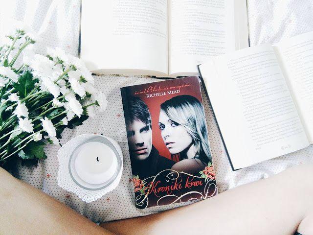 Z wiekiem czytanie o wampirach robi się nudniejsze, ta książka mnie rozczarowała. :c  #kronikikrwi #books #książki