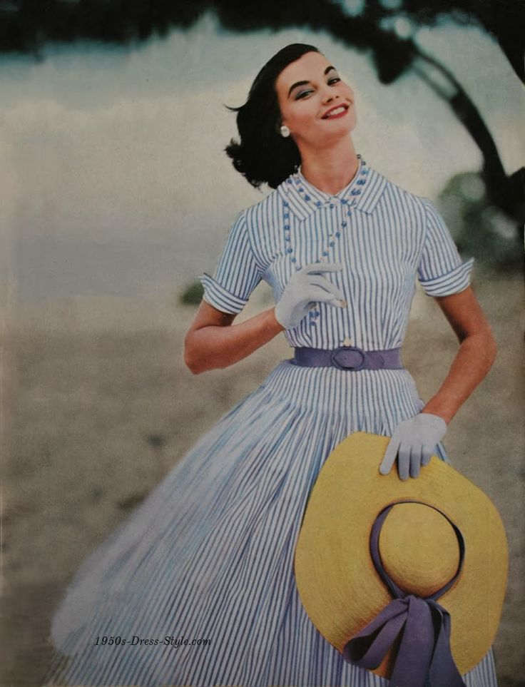 1950s Dress Style - Vogue Fashion