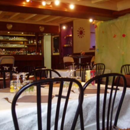 Clamecy:  Restaurant L'Ile Margot Traditionele keuken 9, rue Jules Renard 58500 - CLAMECY Nièvre Ph. : 03 86 22 36 92