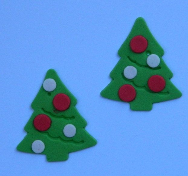 12 edible CHRISTMAS TREES with BAUBLES cake cupcake decoration novelty topper…